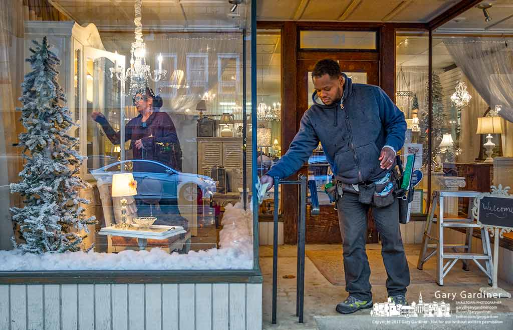 Abbey Rose in Uptown Westerville gets its windows cleaned inside and out as the store windows receive new items and the outside windows are squeegeed. My Final Photo for Jan. 10, 2017.