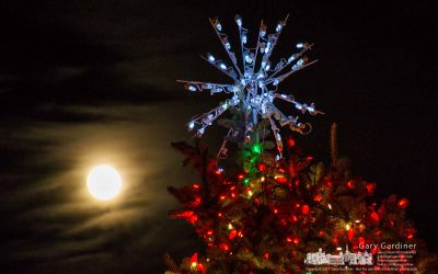 Full moon for the holiday star