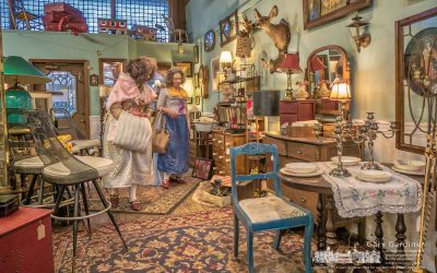 Historic antique costumes in Uptown